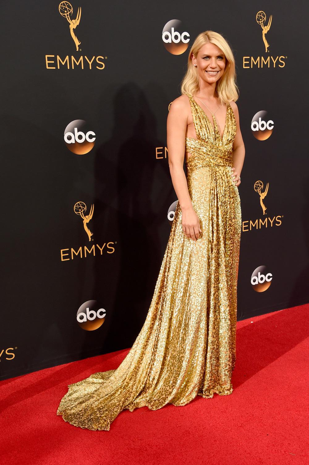 Gaya Mega Bintang Televisi Dalam Gelaran Tahunan Primetime Emmy Award 2016